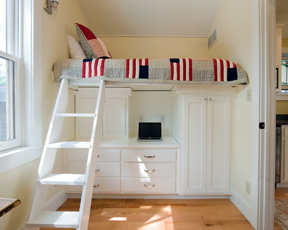small-guest-room-bedroom-traditional-with-bunk-bed-kids-comforters