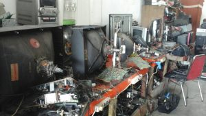 ey 300x169 - Usaha Service Elektronik Pekanbaru