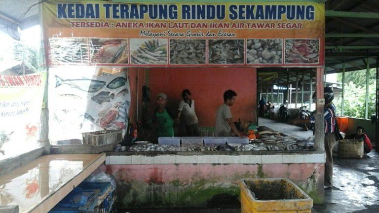 Kedai Terapung Rindu Sekampung 3 768x432 - Jual Ikan Laut Segar di Pekanbaru