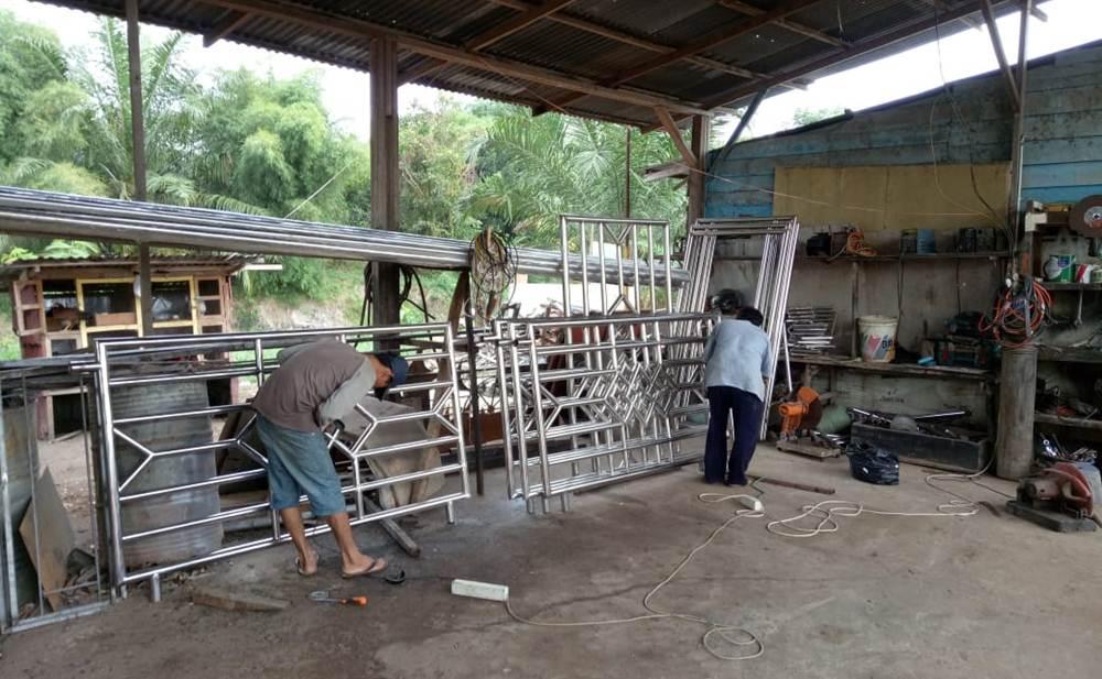 Karoseri Bengkel Diva Tunas Muda Mandiri 26 - Karoseri Bengkel Diva Tunas Muda Mandiri - Kontruksi Pembuatan Bak Besi Pekanbaru