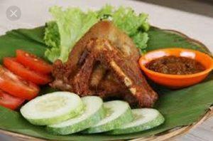 Ayam Bakar Ranggo Lawe 3 300x198 - Ayam Bakar Ronggolawe - Warung Ayam Bakar Enak Pekanbaru