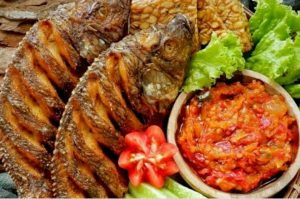 Ayam Bakar Ranggo Lawe 9 300x199 - Ayam Bakar Ronggolawe - Warung Ayam Bakar Enak Pekanbaru