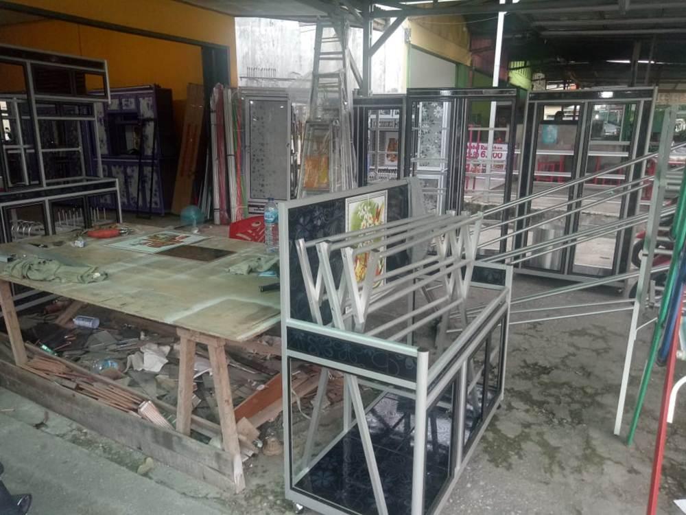 Kaca Jaya 4 - Toko Kaca dan Aluminium Kaca Jaya Pekanbaru